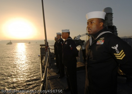 110624-N-ZI300-017 VALPARAISO, Chile (June 24,2011) Gas Turbine Systems Technician (Mechanical) 1st Class Vincent McKoy mans the rails aboard the guided-missile frigate USS Boone (FFG 28) while arriving in Valparaiso, Chile, for a scheduled port visit. Boone will join USS Thach (FFG 43) to participate in the Chilean-hosted Pacific phase of UNITAS 52. Boone is deployed to South America supporting Southern Seas 2011. (U.S. Navy photo by Mass Communications Specialist 1st Class Steve Smith/Released)