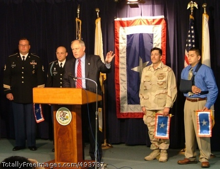 Chicago Announces Illinois Lt. Gov. Pat Quinn holds a press conference to announce the first annual Silver Star Banner Day in the State of Illinois. Honored during the ceremony were Staff Sgt. Michael Erlandson, Chicago Recruiting Battalion, Sgt. Neal Bonham, Chicago Recruiting Battalion, Petty Officer 2nd Class Harold Beville, Sauk Village, Ill. and Petty Officer 3rd Class (ret.) Jose Sanchez, Freeport, Ill. Photo Credit: May 1, 2007