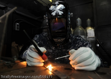 101004-N-6427M-082