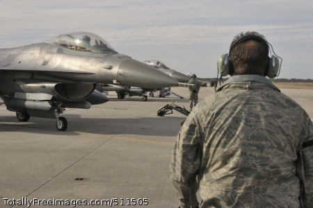 TYNDALL AIR FORCE BASE, Fla. - Maintainers from the 179th Fighter Squadron, a subordinate unit of the 148th Fighter Wing out of Duluth, Minn., prepare to launch F-16s for a mission at Tyndall Air Force Base, Fla., Jan. 27. The 148th FW is working with the 53rd Weapons Evaluation Group at Tyndall AFB for two weeks to train for their Air Sovereignty Alert missions and to validate their new Block 50 F-16s.
