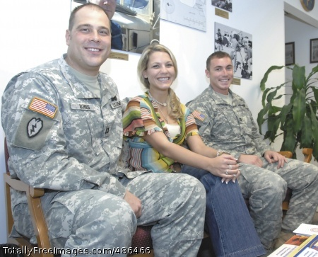 Making a Deal Capt. Joe Kobes, Laura Johnson and Capt. Garrett Slaughter recall their experience together on NBC's 'Deal or No Deal.' Photo Credit: Apr 30, 2008