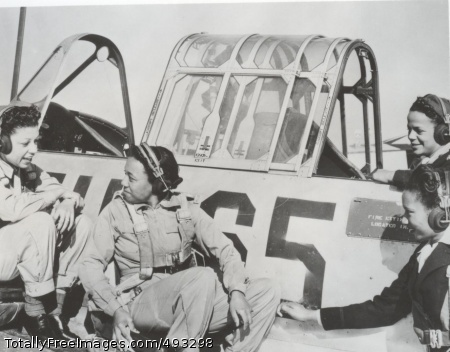 Tuskegee Air Women? Nurses learning cockpit procedures and flight techniques at the Tuskegee Army Air Field (WW2 Signal Corps Collection). Photo Credit: May 27, 2007