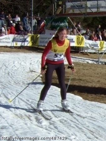 Nix Skis for Gold Staff Sgt. Lori Nix competes on her way to a gold medal in the cross-country skiing portion of the Winter Triathlon in Knebis, Germany Photo Credit: Mar 21, 2008