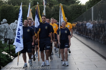 100911-N-9818V-095 WASHINGTON (Sept. 11, 2010) Chief petty officers and chief petty officer selects run throughout Washington, D.C., during the annual Navy Heritage Pride Run. (U.S. Navy photo by Mass Communication Specialist 1st Class Jennifer A. Villalovos/Released)